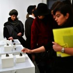 """""""Dalla macchina alla mano"""" gioielli tridimensionali di Stefania Lucchetta presso Galleria Marie-Laure Fleisch"""